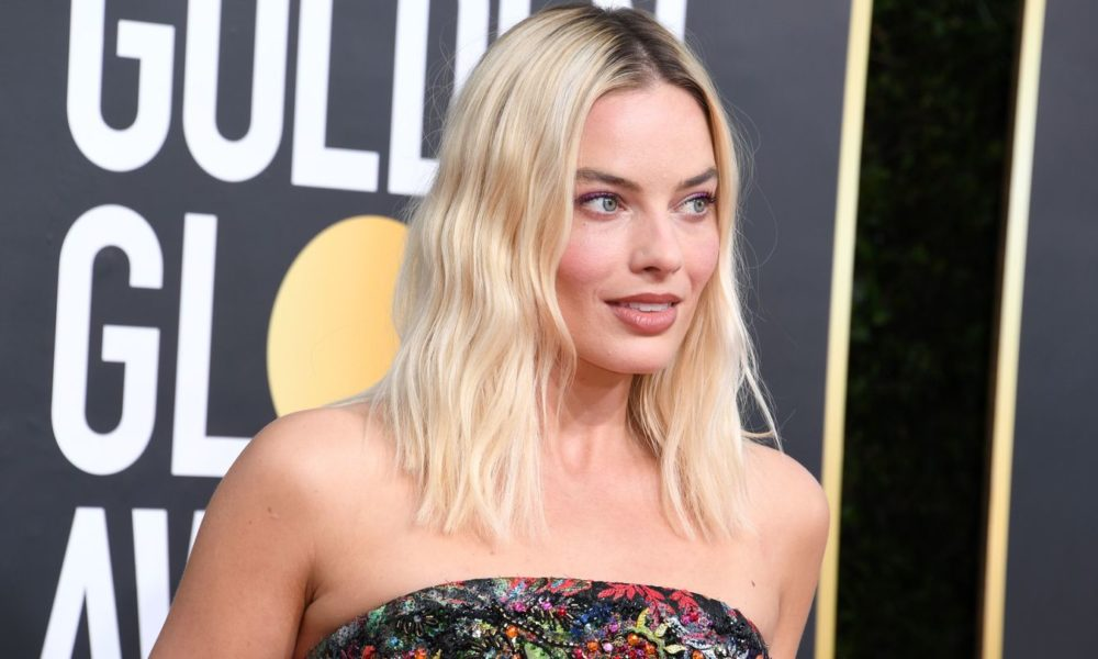 Margot Robbie Made A 225-Hour Bustier See Entirely Easy