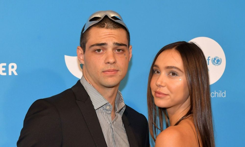 Noah Centineo And Alexis Ren Make a choice Their Steamy Romance To The Grid