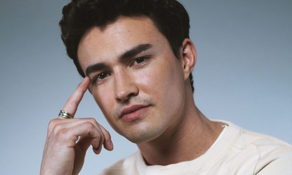 Gavin Leatherwood Believes In Magic — And The Vitality Of A Apt Face Conceal