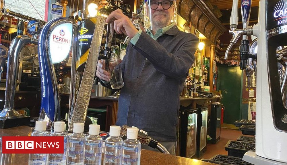 Coronavirus in Scotland: Pubs, eating locations and hairdressers reopen
